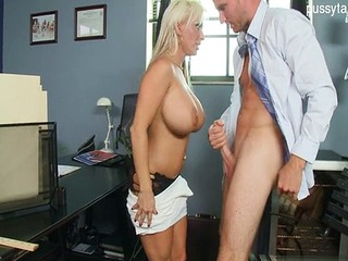 Glamour untrained bj