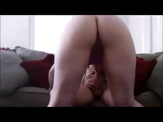 Amateur booty wife gets fucked on real homemade