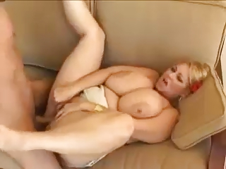BIG NATURAL MILF
