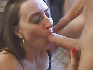 Jeux Sexuels Entre Voisines... (Complete French Movie) F70