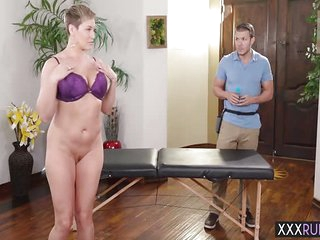 Mature with big ass massage and fucks by a professional