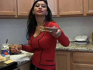 Virtual mamma fuck