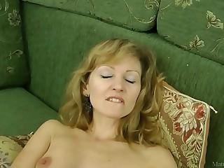 Sexy mom in stockings closeup masturbated