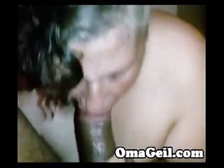 OmaGeiL Homemade Mature Granny Blowjob Porn Video