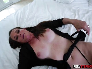 Mature stepmom takes a stepsons big cock for good morning