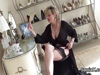 Cheating british mature lady sonia reveals her b